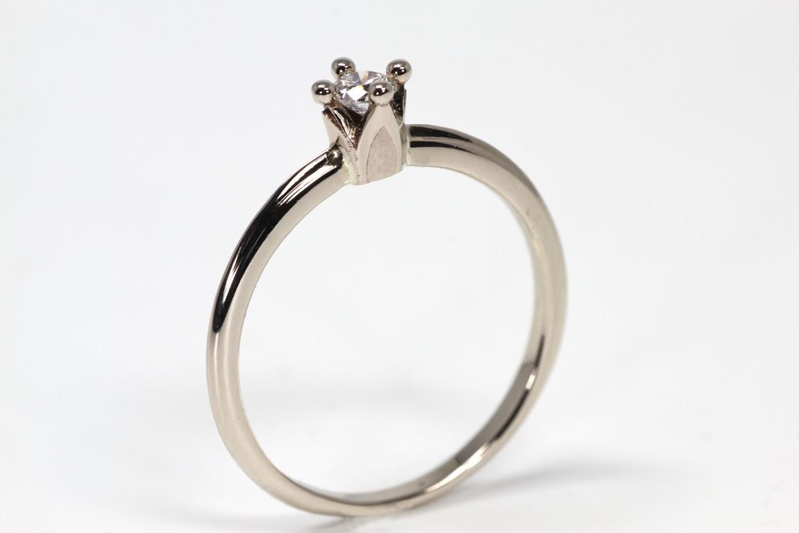 crown-white-gold-ring