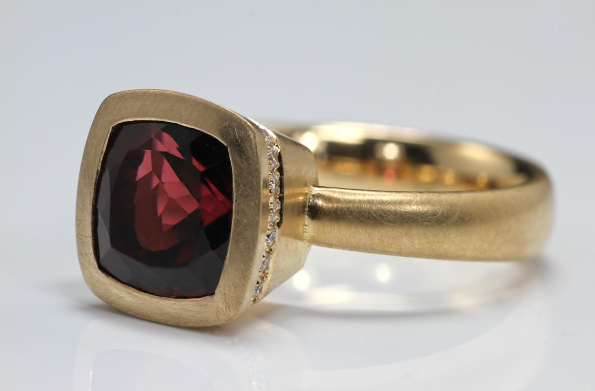 turmalin-with-diamonds-ward (Medium)