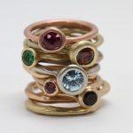 was-ringen-met-kleur-stenen (Middel)