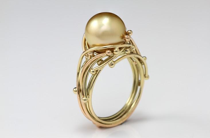 Medusa yellow pearl