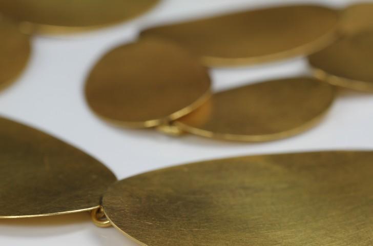 golden-neckless