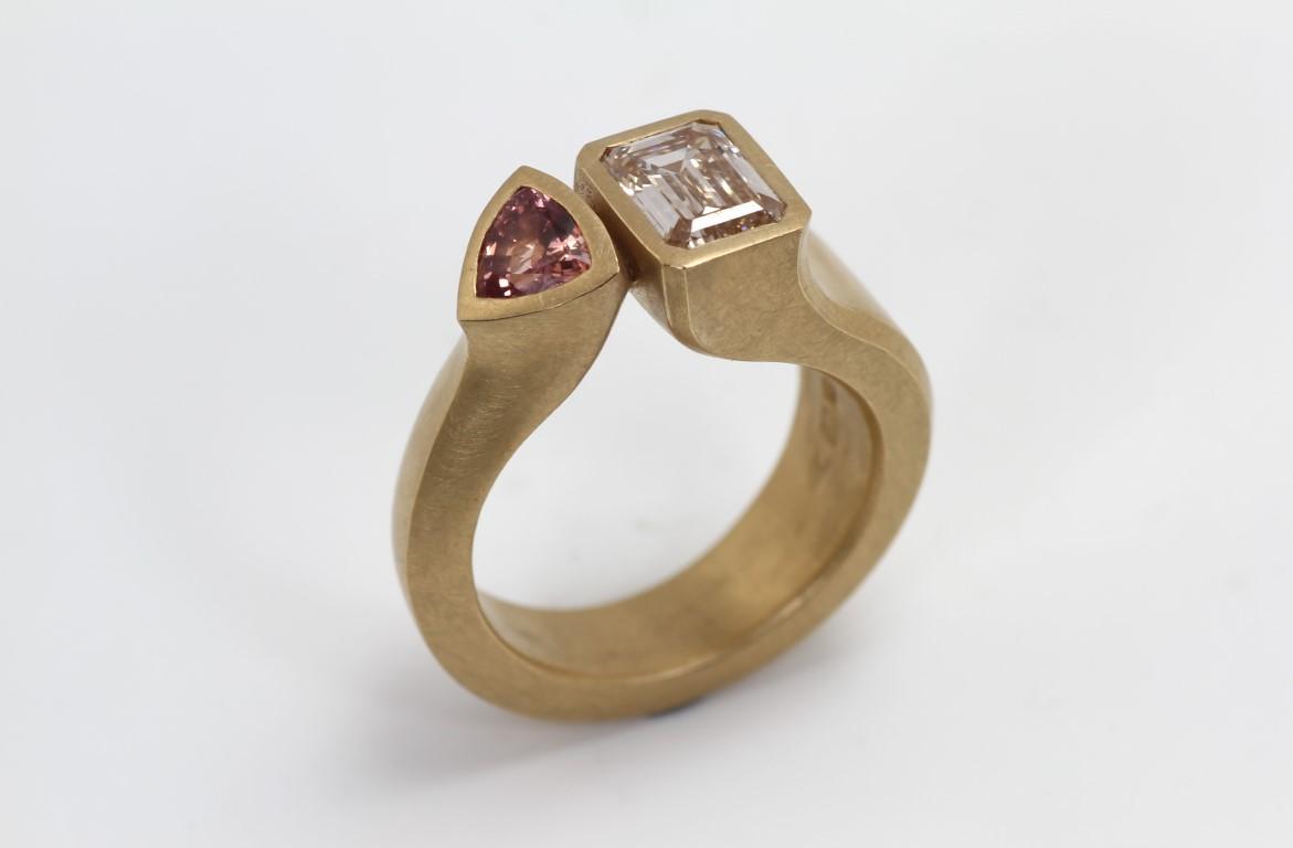 ring-met-2-stenen